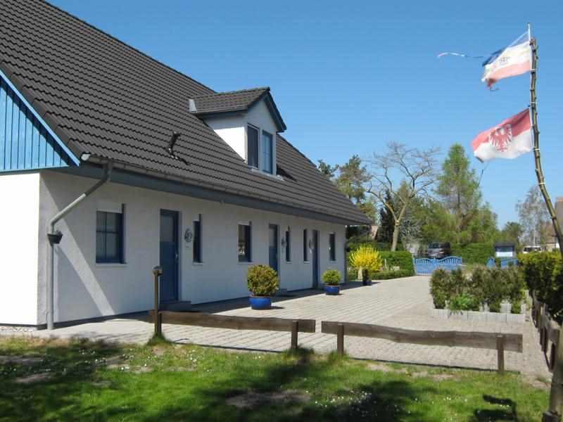 Ferienhaus 3-er Reihenhaus in Wieck a. Darß
