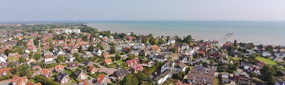 Blick über Kellenhusen auf die Ostsee